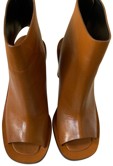 Item - Brown Luggage 335975 Boots/Booties Size US 7 Regular (M, B)