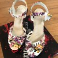Fergalicious by Fergie White Floral Willa Sandal Wedges Size US 6 Regular (M, B) Fergalicious by Fergie White Floral Willa Sandal Wedges Size US 6 Regular (M, B) Image 2