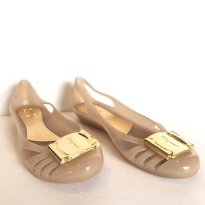 7e79b8e6bb89 Salvatore Ferragamo Flat Round Toe Gold Hardware Cut-out Logo Beige Wedges