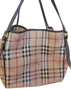375f112fd4ff Burberry Bags and Purses on Sale - Up to 70% off at Tradesy