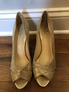 15abe295544e Women s Gold Kate Spade Shoes - Up to 90% off at Tradesy