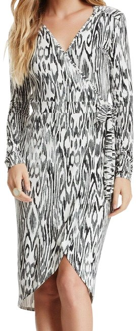 Item - Black and White Seraphina Woodgrain High-low Wrap Mid-length Night Out Dress Size 10 (M)