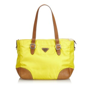 Prada 9bprto023 Tote in Yellow