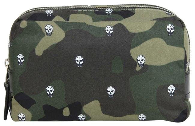 Item - Multi-color W Camouflage Printed Nylon Wash W/Skulls 453695 8499 Cosmetic Bag