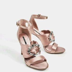 2383bfeb02a Women s Pink Zara Shoes - Up to 90% off at Tradesy