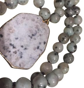 """Montana NWOT 18"""" stone and Montana agate pendant necklace"""