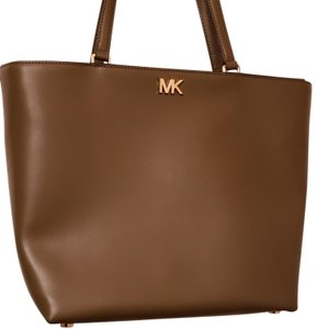 ead40c5afecf MICHAEL Michael Kors Leather Wallet Classic Tote in Olive