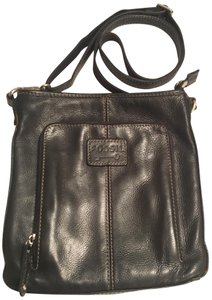 fc73753560c1 Fossil Bags - Up to 90% off at Tradesy