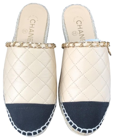 Preload https://img-static.tradesy.com/item/24961029/chanel-beige-espadrilles-black-leather-quilted-flats-sandals-size-eu-35-approx-us-5-regular-m-b-0-1-540-540.jpg