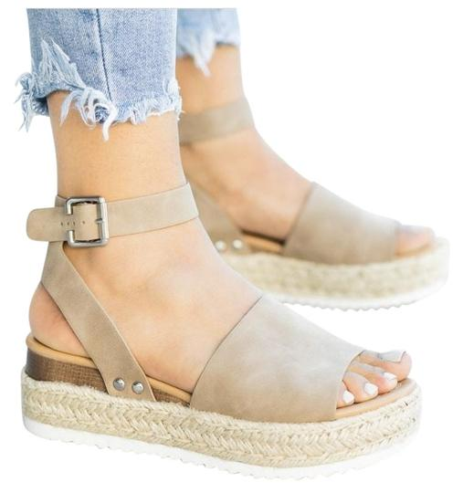 SODA Camel Wedges Image 0