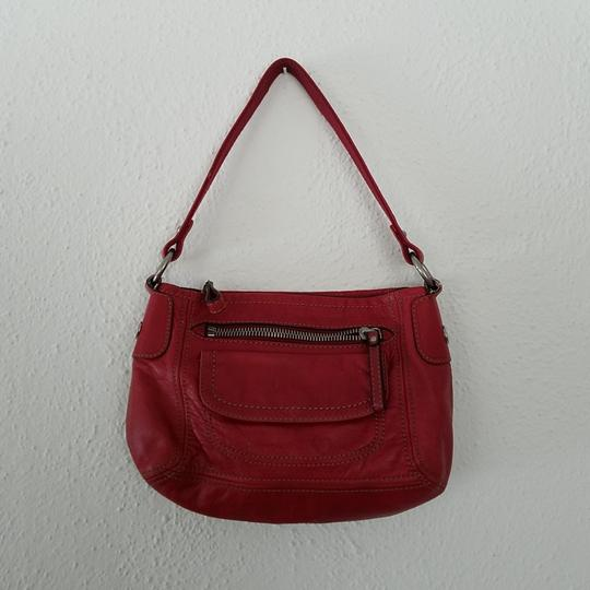 Preload https://img-static.tradesy.com/item/24962076/fossil-hobo-red-leather-satchel-0-0-540-540.jpg