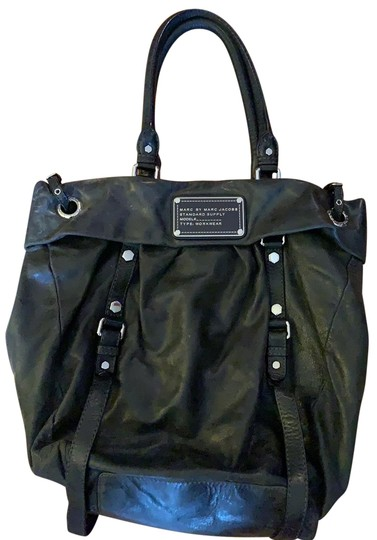 Preload https://img-static.tradesy.com/item/24962302/marc-by-marc-jacobs-black-leather-tote-0-1-540-540.jpg