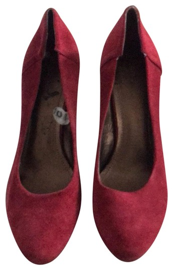 BCBGeneration red Pumps Image 0