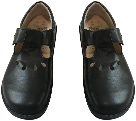 Preload https://img-static.tradesy.com/item/24963256/finn-comfort-black-leather-tofino-flats-size-eu-41-approx-us-11-wide-c-d-0-3-540-540.jpg