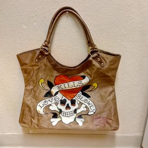 a36a0e08f7 Ed Hardy Shoulder Bags - Up to 90% off at Tradesy