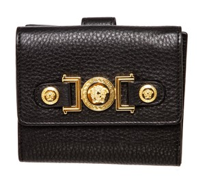 Versace Bags - Up to 90% off at Tradesy 940e8c791faf4