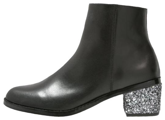 Preload https://img-static.tradesy.com/item/24966521/sol-sana-black-jenni-leather-silver-glitter-heel-bootsbooties-size-us-85-regular-m-b-0-1-540-540.jpg