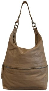 21b1f8c86327 Hobo International on Sale - Up to 80% off at Tradesy