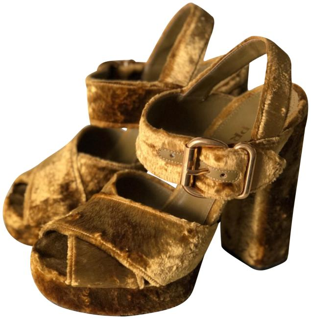 Item - Gold Velvet Sandals Platforms Size EU 38 (Approx. US 8) Regular (M, B)