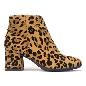 Earth Animal Print Comfortable leopard Boots