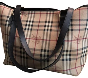 Burberry Bags and Purses on Sale - Up to 70% off at Tradesy c9ffbe7e5bda4