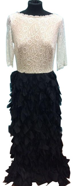 Item - Black/White Lace Bodice Faux-feathered Skirt Long Formal Dress Size 6 (S)