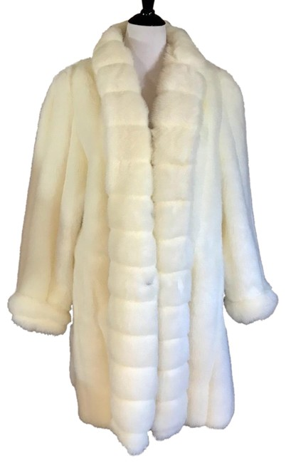 12154113e30 Oleg Cassini Cream Vintage Faux Coat Size 20 (Plus 1x) - Tradesy