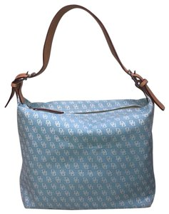 Dooney   Bourke Hobo Bags - Up to 90% off at Tradesy 7a9fb664881e5