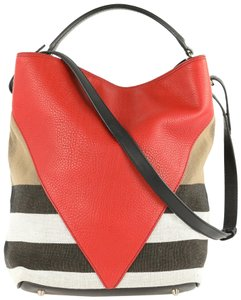 8a02ed1858f Burberry Bucket Bags - Up to 70% off at Tradesy