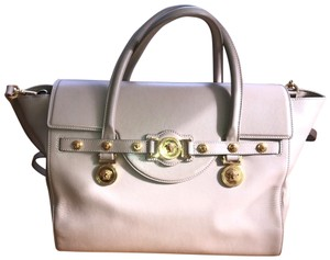 8e7c1e59da84 Versace Bags - Up to 90% off at Tradesy