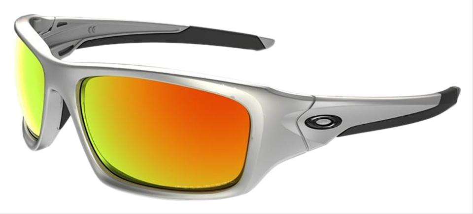 a8b81ecd1bc74 Oakley Silver Frame   Fire Iridium Polarized Mirrored Lens Unisex Rectangular  Sunglasses