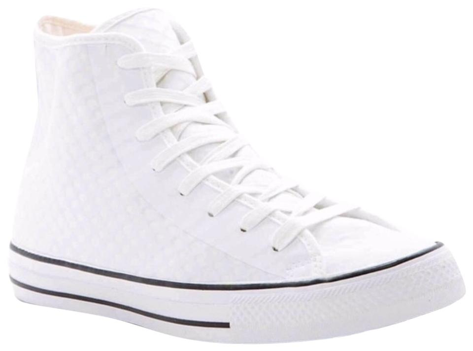 a9a1bd771ebf Converse White Sneakers Textured Stylish High Tops Sneakers. Size  US 10 ...