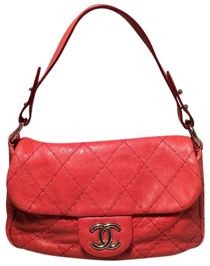 Preload https://img-static.tradesy.com/item/24974787/chanel-classic-flap-quilted-glazed-red-leather-shoulder-bag-0-1-540-540.jpg