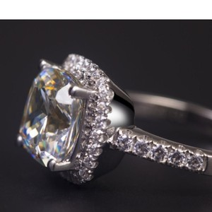 Engagement Rings - Up to 90% off at Tradesy 8fed80bf0
