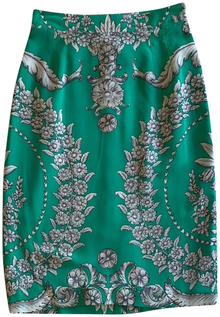 Preload https://img-static.tradesy.com/item/24975409/yoana-baraschi-kelly-green-with-shades-of-grey-floral-print-96124-skirt-size-0-xs-25-0-1-650-650.jpg