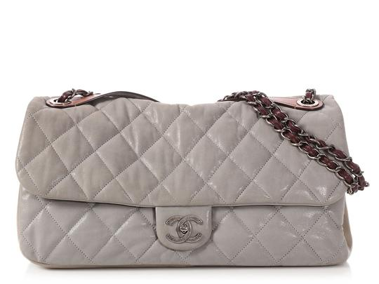 Preload https://img-static.tradesy.com/item/24975451/chanel-in-the-mix-jumbo-flap-quilted-gray-calfskin-leather-shoulder-bag-0-0-540-540.jpg