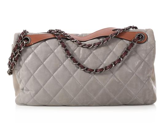 Chanel Cc Iridescent Silver Quilted Ch.q0129.01 Shoulder Bag Image 3