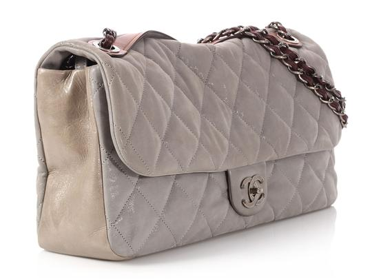 Chanel Cc Iridescent Silver Quilted Ch.q0129.01 Shoulder Bag Image 4