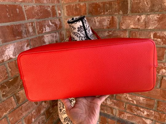 Tory Burch Tote in liberty red Image 8