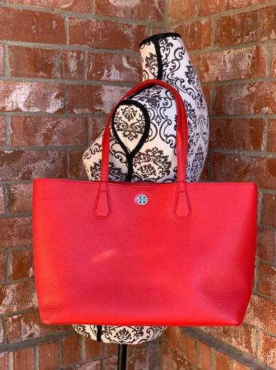 Tory Burch Tote in liberty red Image 9