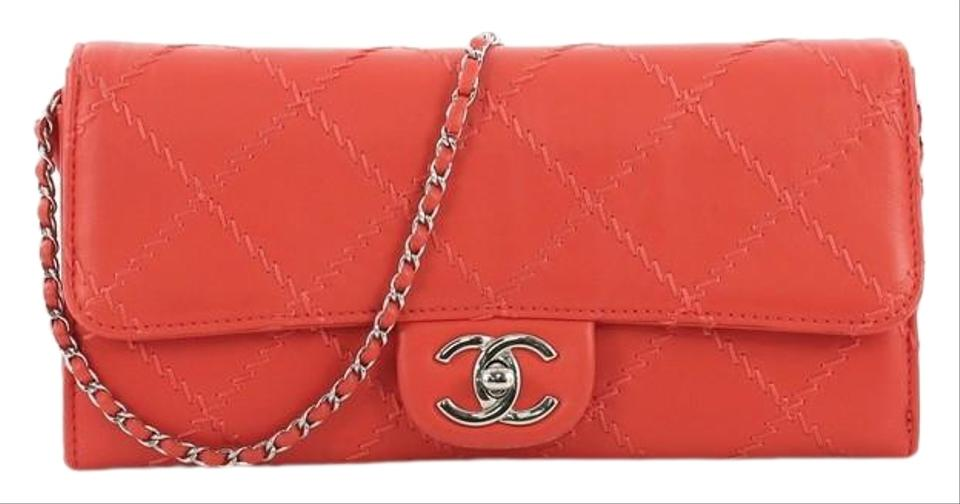 55d1e451ae33 Chanel Wallet on Chain East West Ultimate Stitch Quilted Orange ...