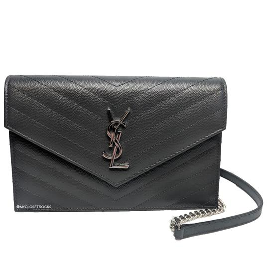 Preload https://img-static.tradesy.com/item/24976223/saint-laurent-chain-wallet-monogram-grey-leather-cross-body-bag-0-0-540-540.jpg