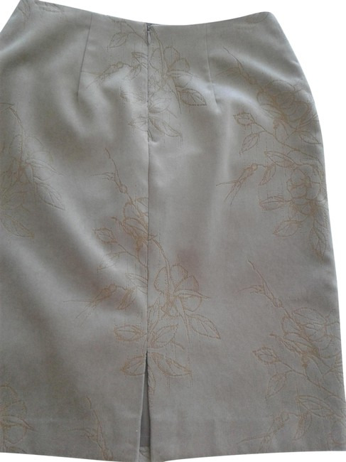 Kay Unger Olive New Velour with Flower Pattern Skirt Size 6 (S, 28) Kay Unger Olive New Velour with Flower Pattern Skirt Size 6 (S, 28) Image 1