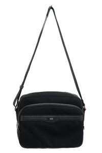 31c93462e209 Black Hugo Boss Bags - Up to 90% off at Tradesy