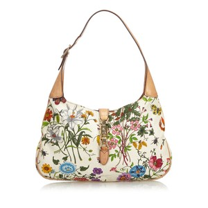 8ce44105d4c4 Gucci Flora Collection Bags - Up to 70% off at Tradesy