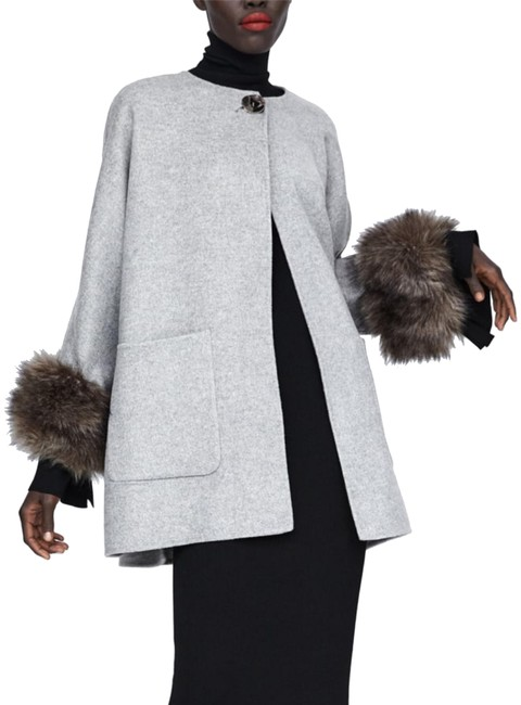 Preload https://img-static.tradesy.com/item/24978429/zara-grey-wool-blend-rare-with-faux-cuff-coat-size-16-xl-plus-0x-0-2-650-650.jpg