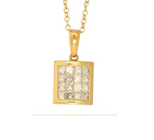 CaratsDirect2U 18K Gold Princess Rectangular Diamond Pendant 1.03 Ct,H,Vs C31000165