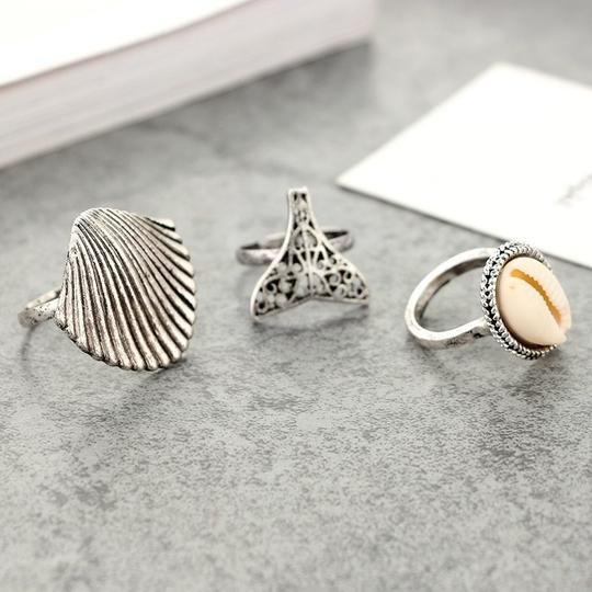 Other Beach Babe Ring Set Lot of 3 Mermaid Tail Cowrie Shell Ring Silver Image 5