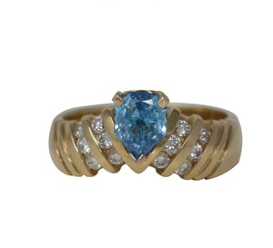 CaratsDirect2U Gold Pear Diamond Engagement Ring W/Shoulders 0.75 Ct Blue C31003023