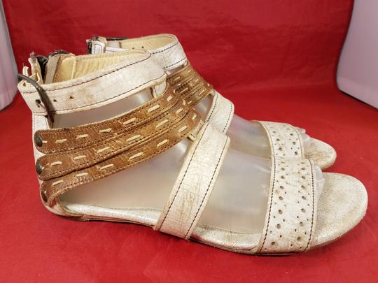 Bed|Stü Distressed Leather Gladiator Woman Size 9 beige and brown Sandals Image 1